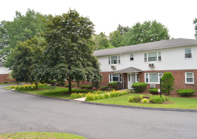 Pleasant View Apartments in Easthampton, MA: One and Two Bedroom Apartments for rent in Western, MA